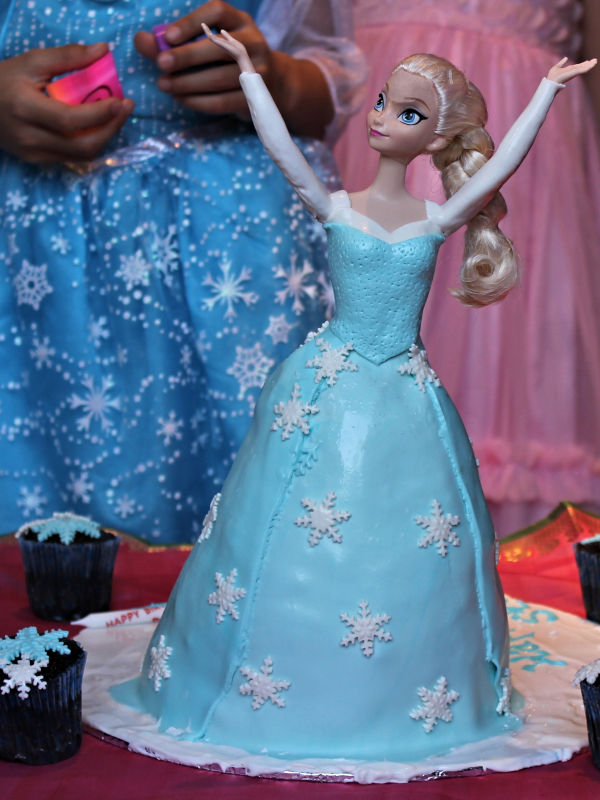 Beautiful Princess Else Frozen Cake