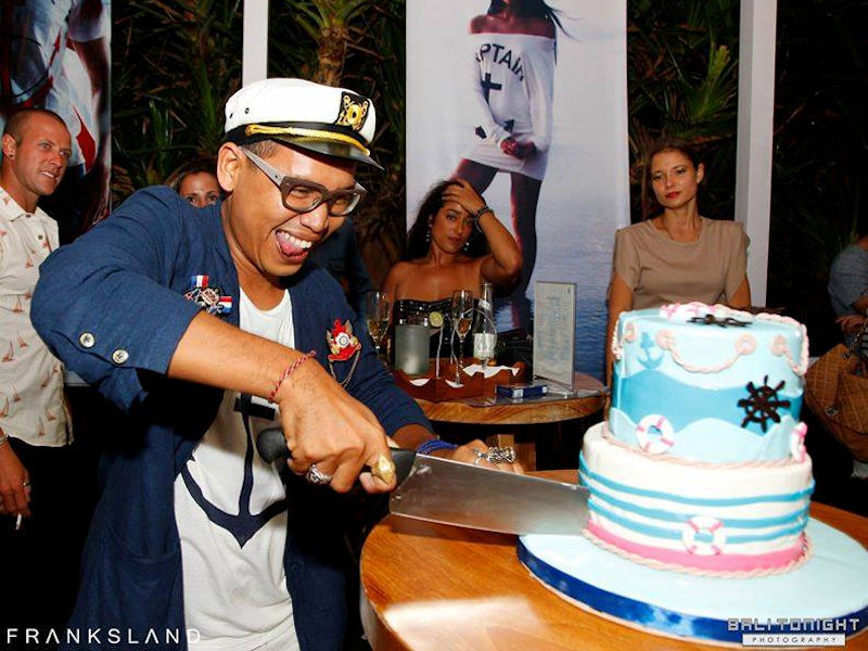 Cutting the Maritime Cake
