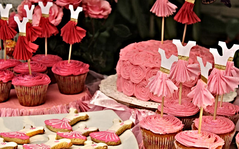 Pink Cake Table