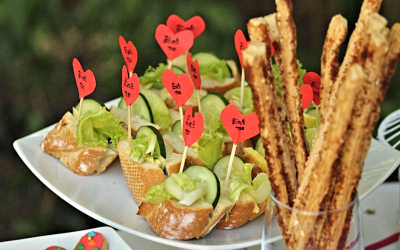 Party-Catering-Salad-Sandwiches-and-Breadsticks