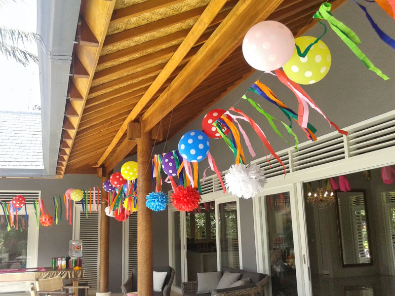Young-Style-Party-Decorations
