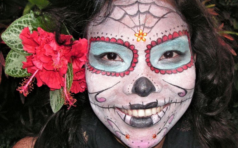 Sugar-Skull-Halloween-Face-Paint