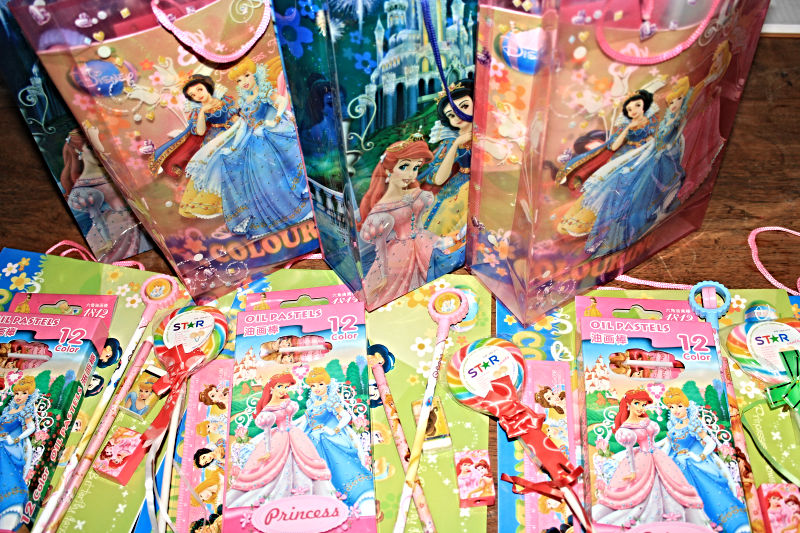 Princess-Party-Goodie-Bags-Contents