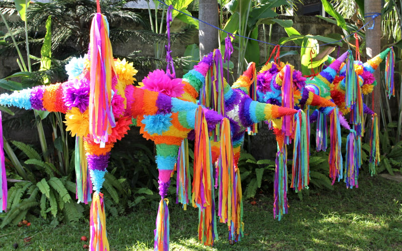 Pinatas Video In Mexico For Kids