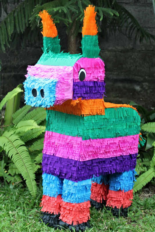 How to make a paper mache pinata in an animal shape | 800x533